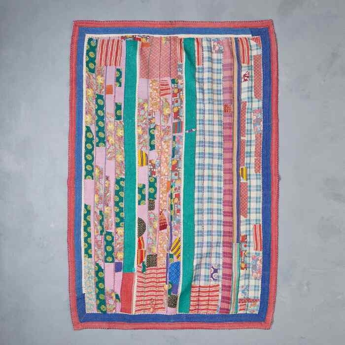 GUMIA SARI THROW