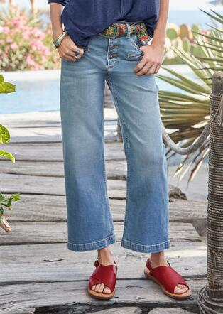 CHARLEE CROPPED FLARE JEANS