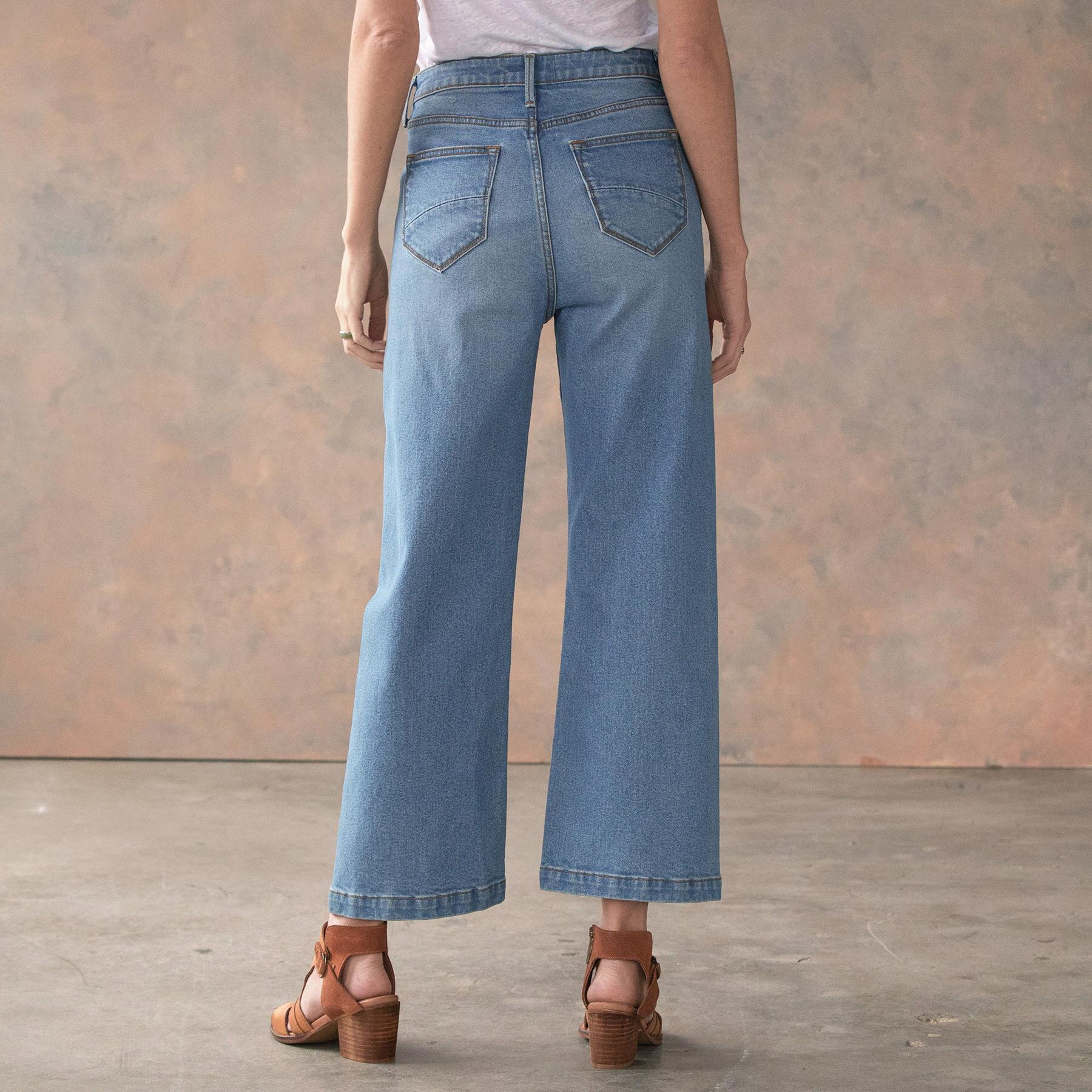 CHARLEE CROPPED FLARE JEANS: View 3