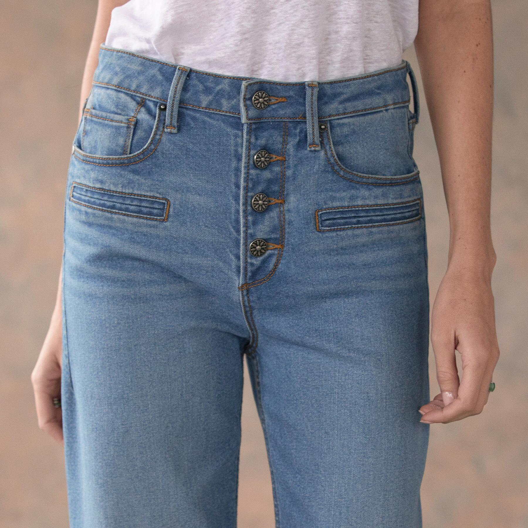 CHARLEE CROPPED FLARE JEANS: View 4