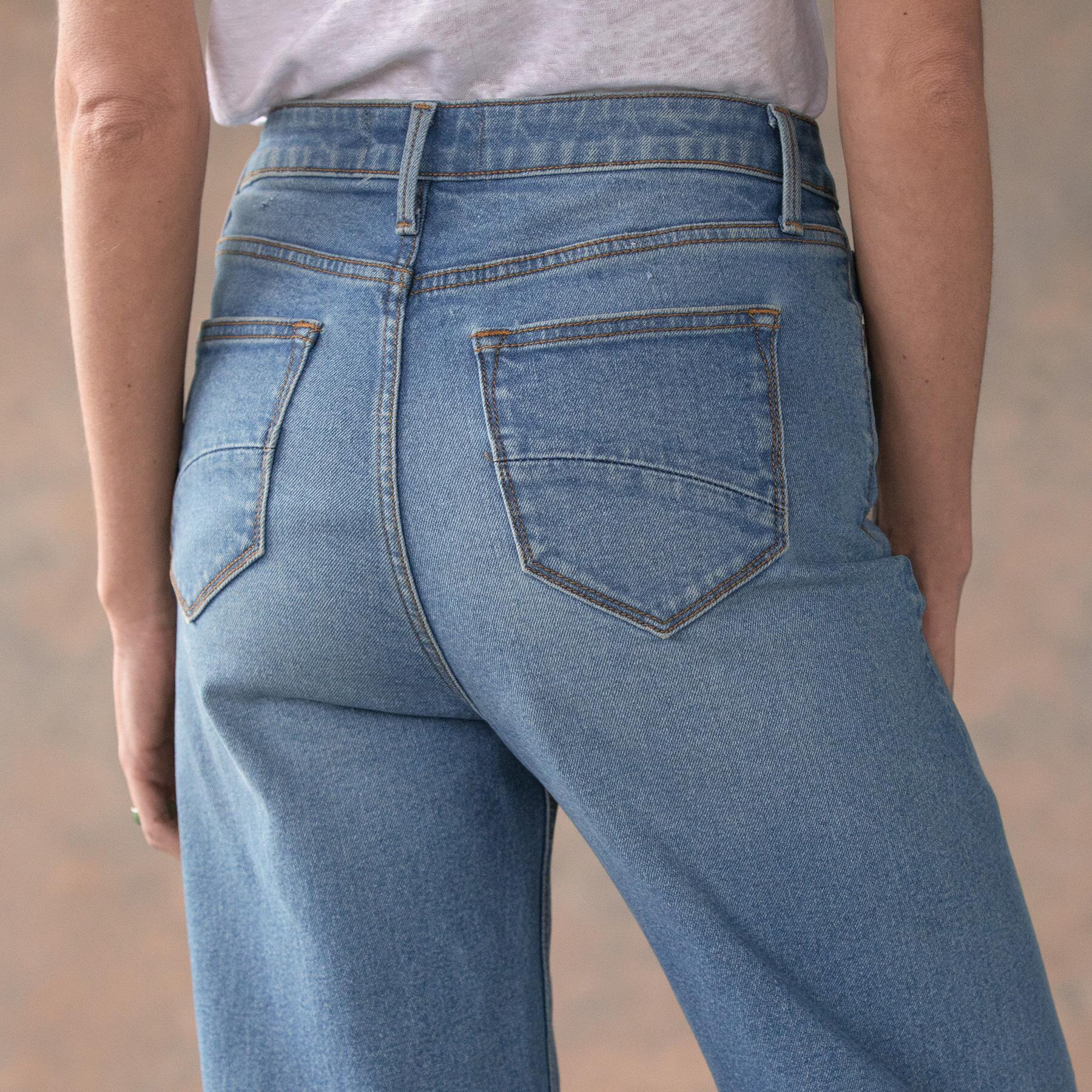 CHARLEE CROPPED FLARE JEANS: View 5