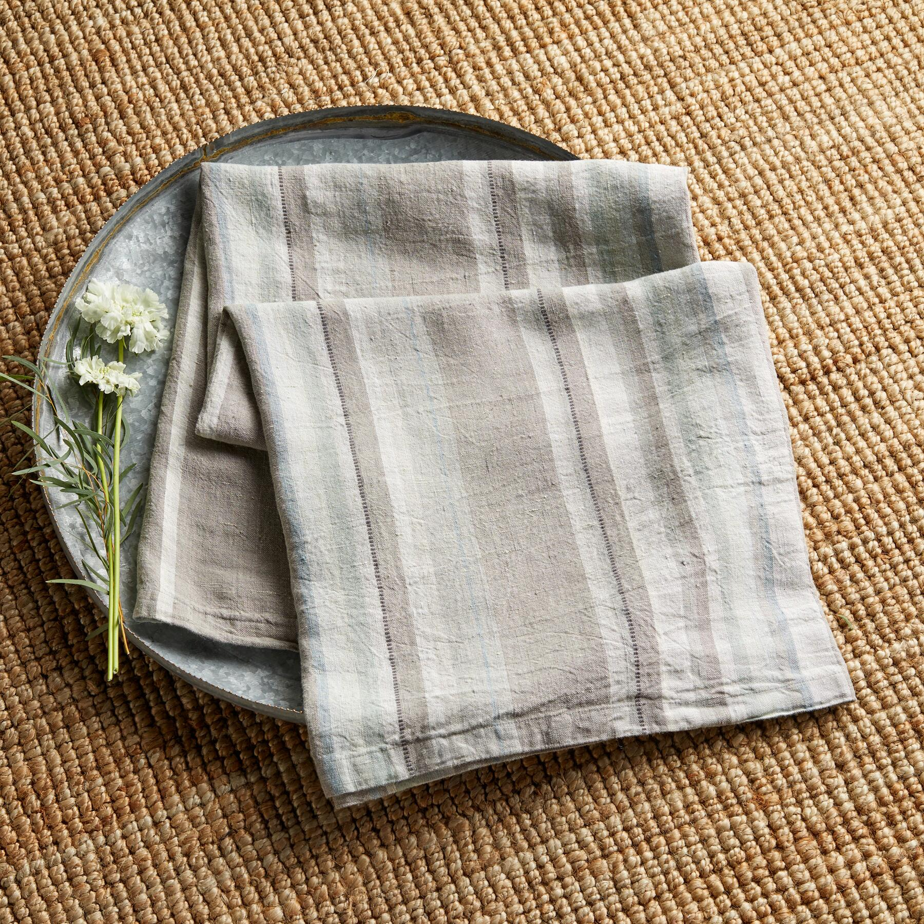 LAURIA ORGANIC THROW: View 3