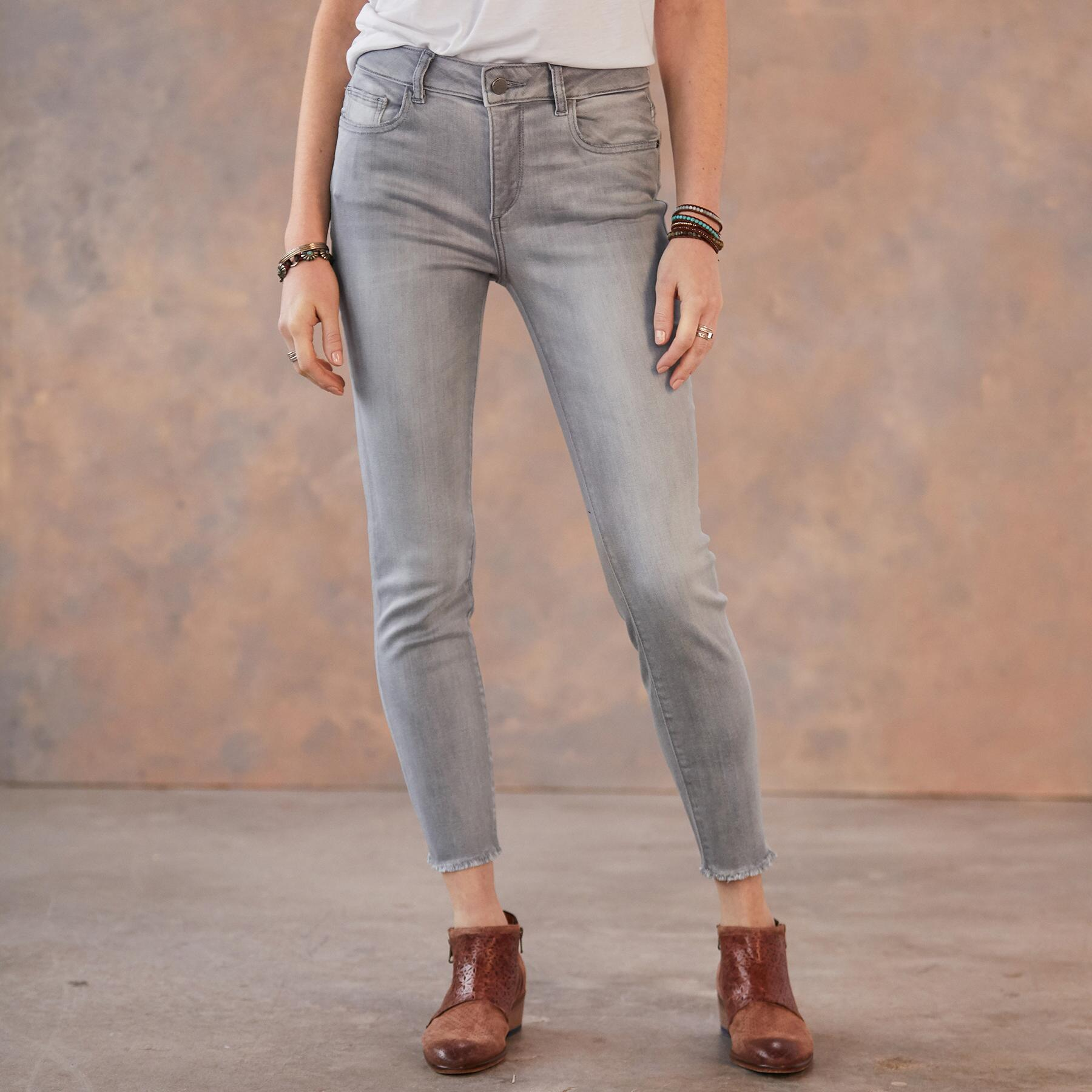 FLORENCE CROP JEANS: View 1