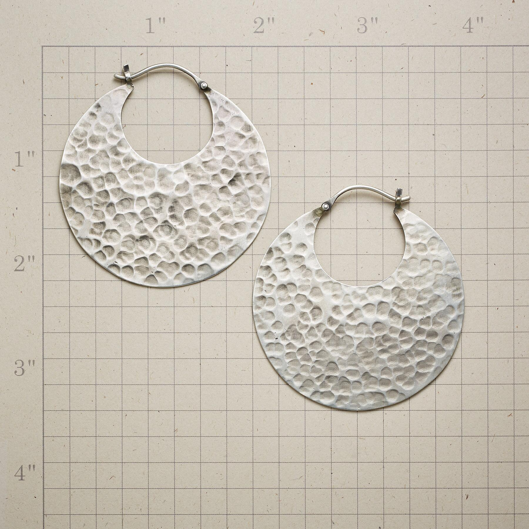 TO THE MOON EARRINGS: View 2