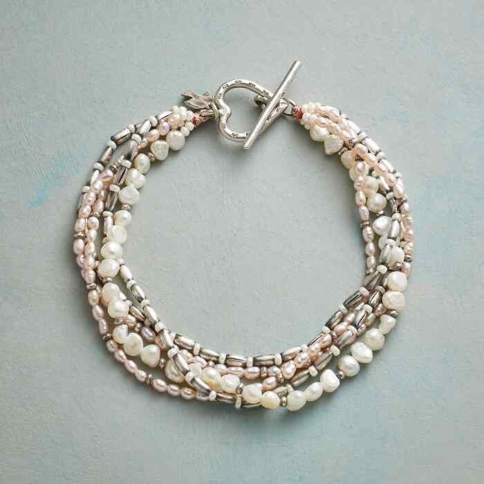 PLENTIFUL PEARL BRACELET