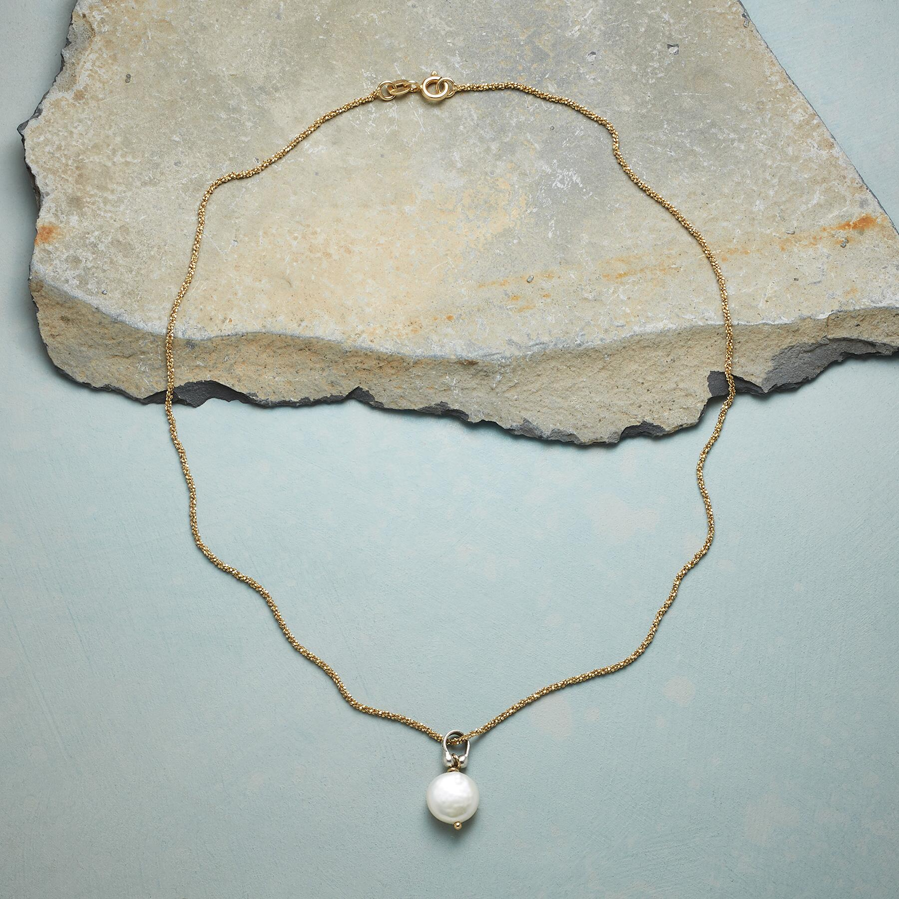 LUMINANCE PEARL NECKLACE: View 2