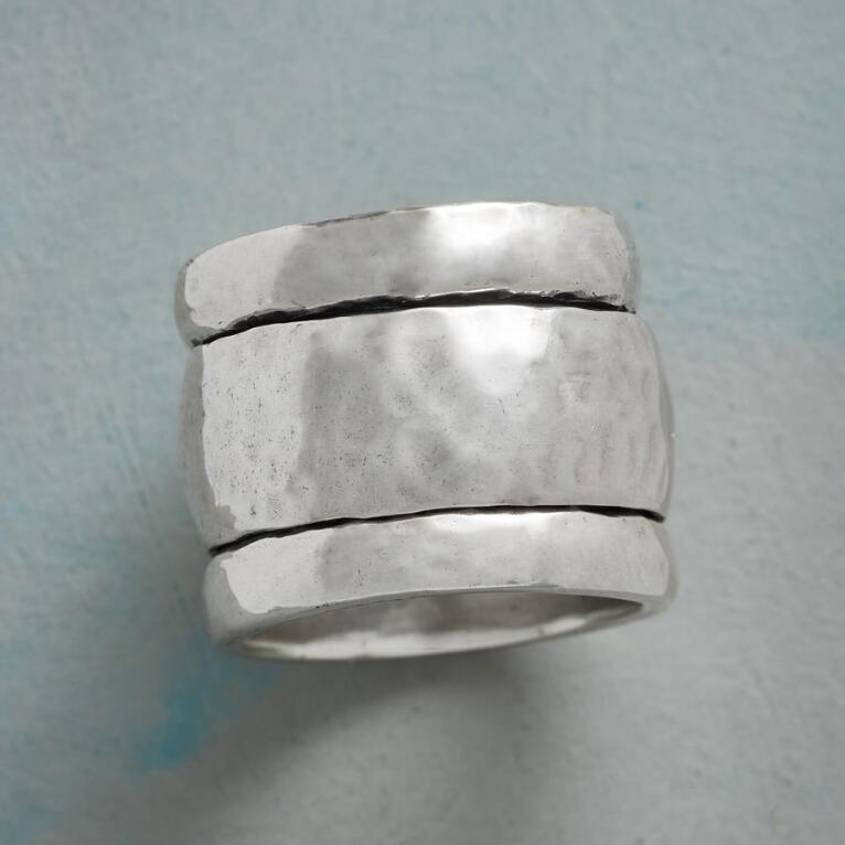 TURNSTYLE RING