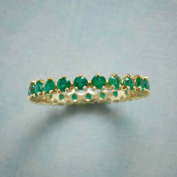 WREATH OF EMERALDS RING