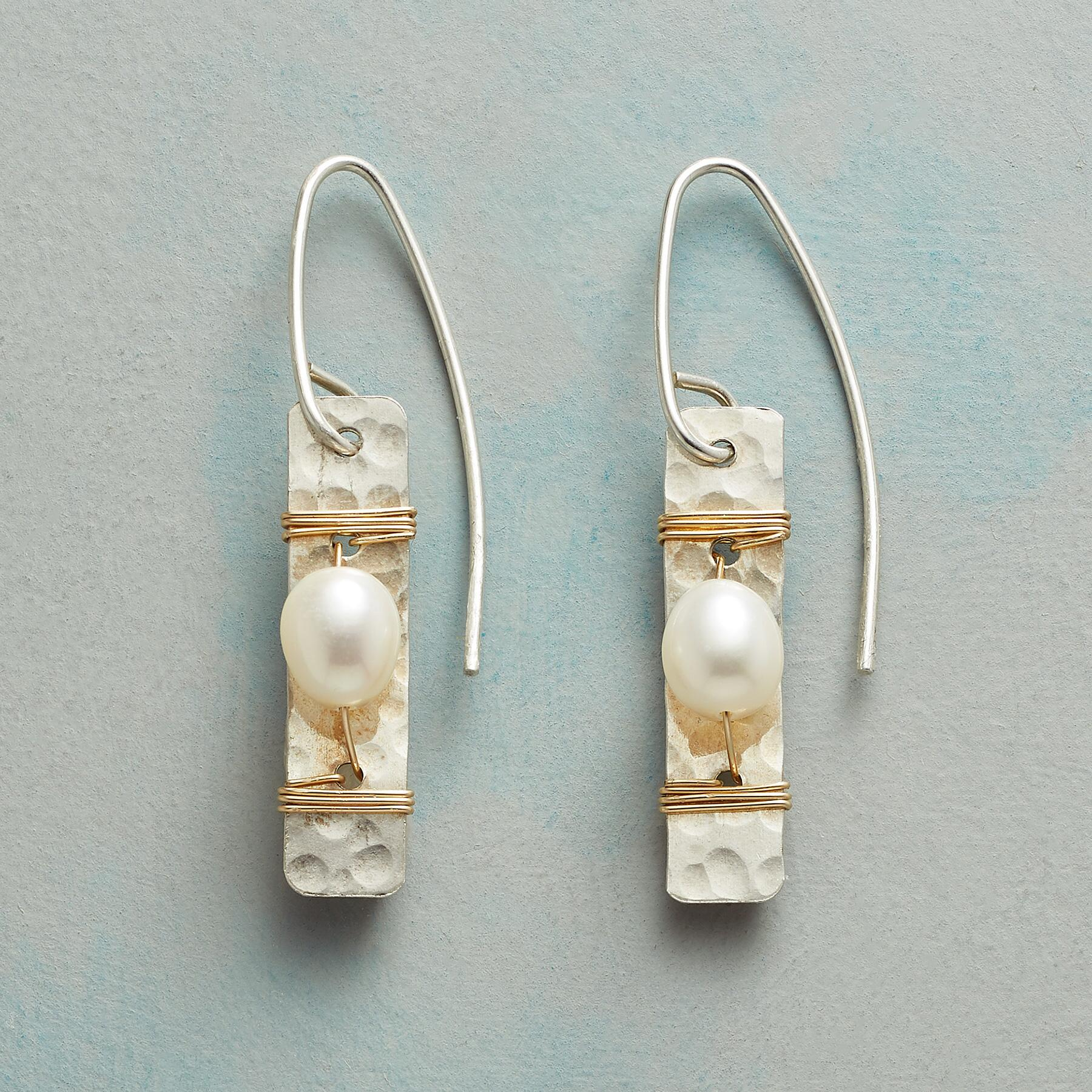 PYRENEES PEARL EARRINGS: View 1