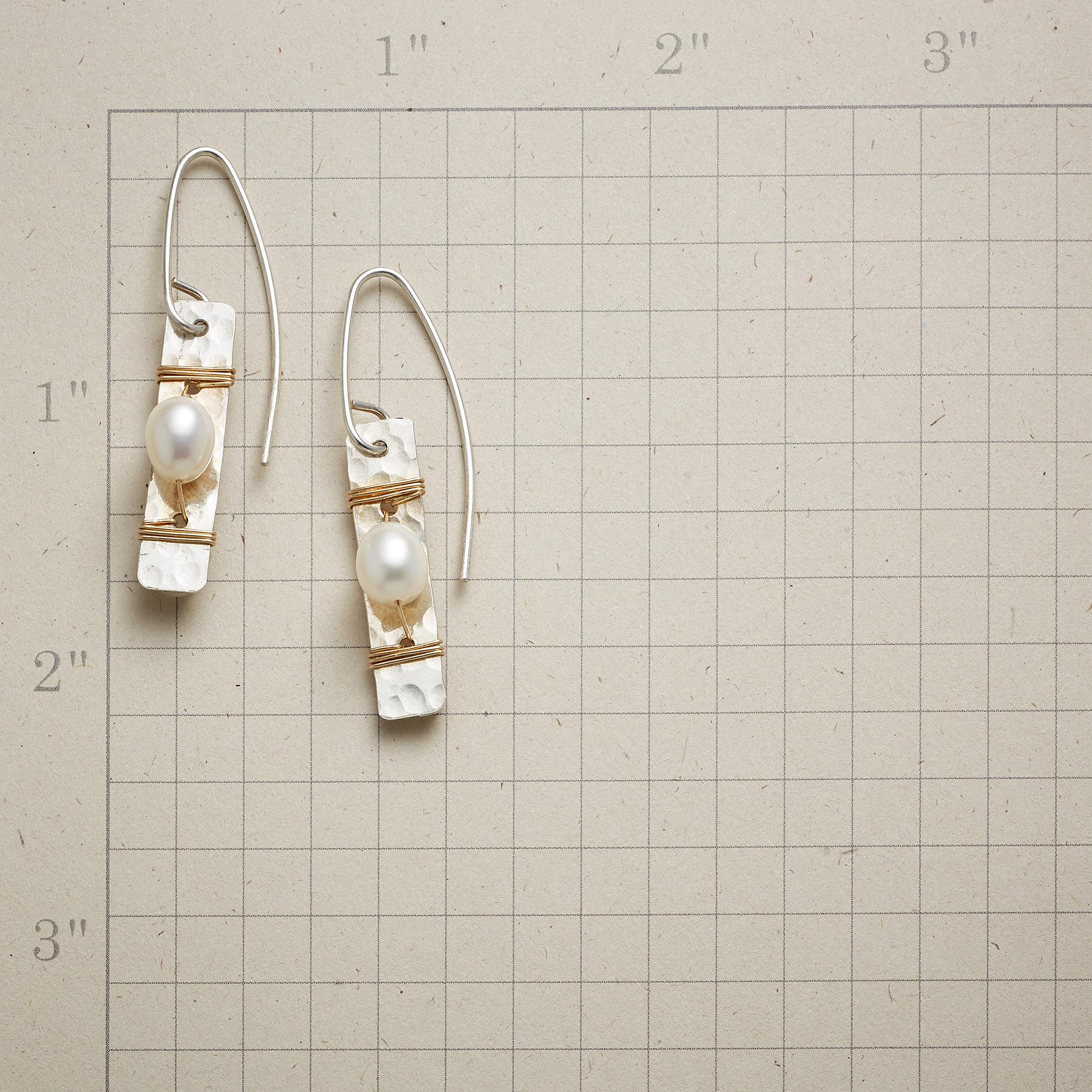 PYRENEES PEARL EARRINGS: View 2
