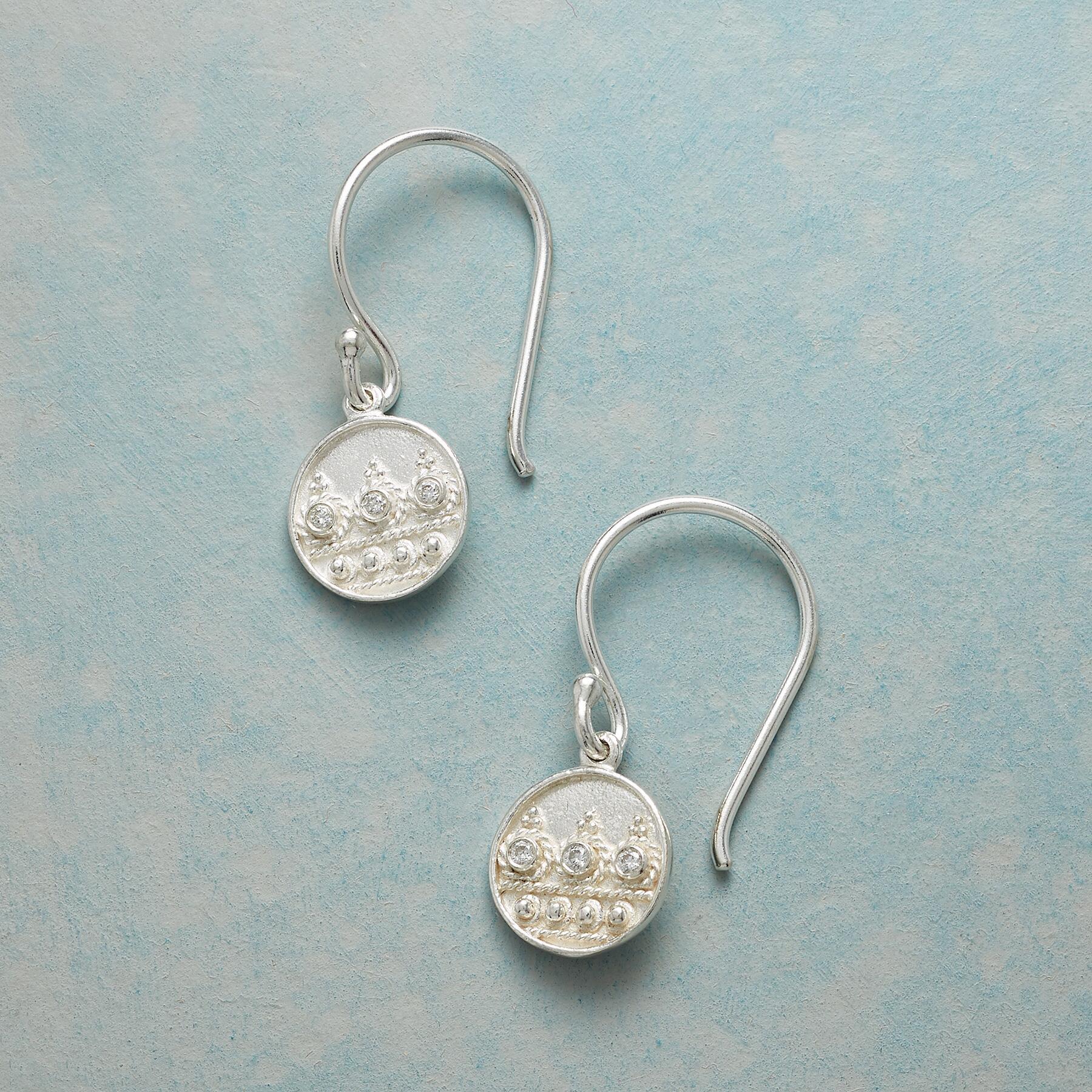 EVERYDAY DIAMOND EARRINGS: View 1