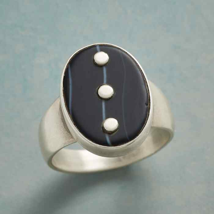 ONYX ELLIPSES RING