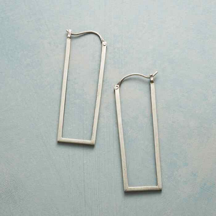 DOWNTOWN HOOP EARRINGS