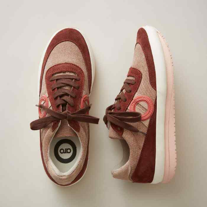 CELIA JANE SNEAKERS