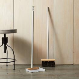 FRENCH COLLECTION BROOM AND DUSTPAN SET