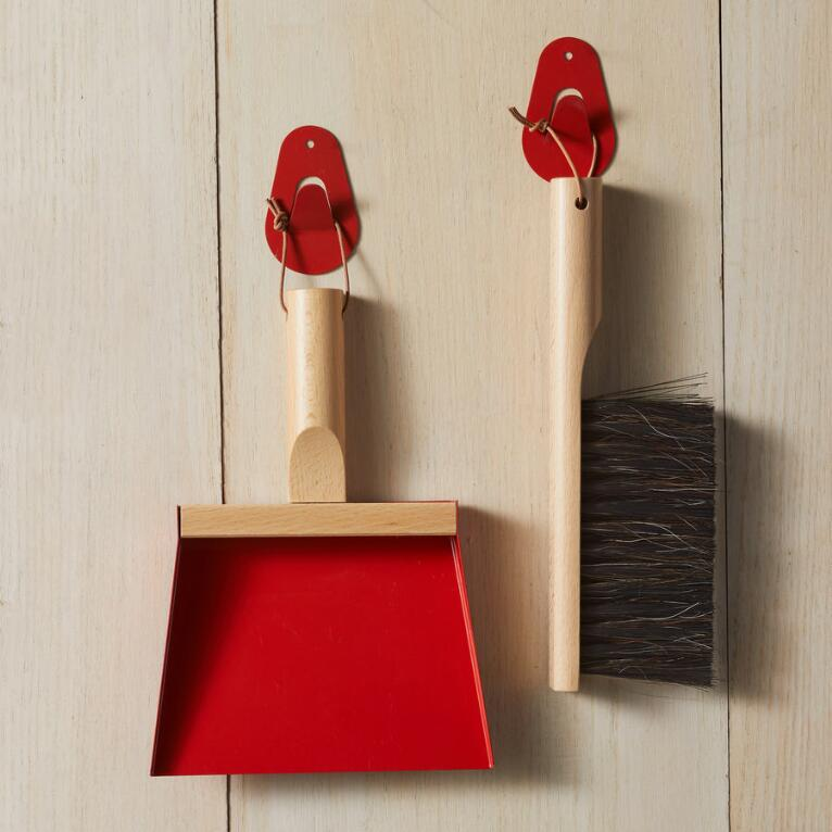 FRENCH COLLECTION HAND BRUSH AND DUSTPAN SET