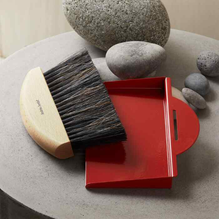FRENCH COLLECTION GIFT BOX HAND BRUSH AND DUSTPAN SET