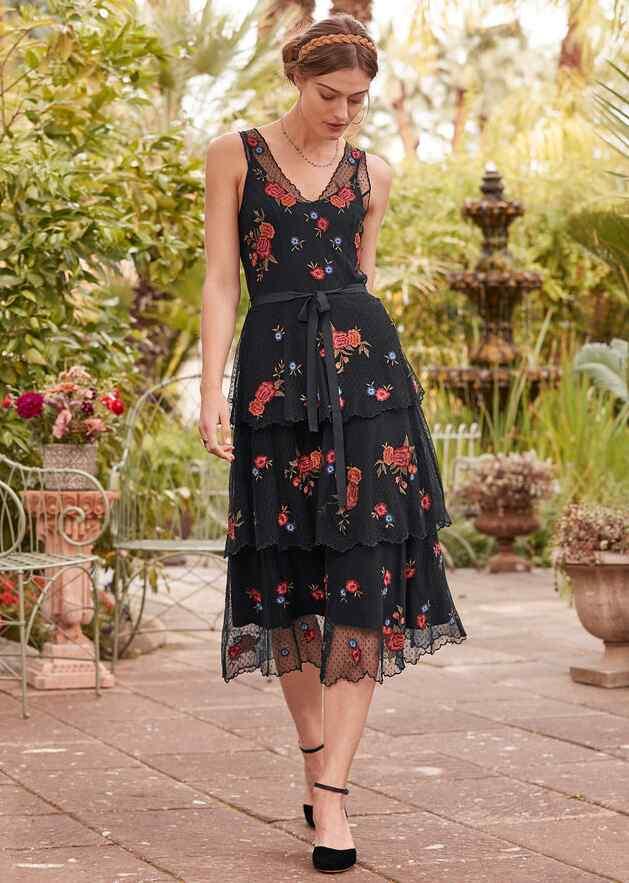 DEMURE ROSES DRESS