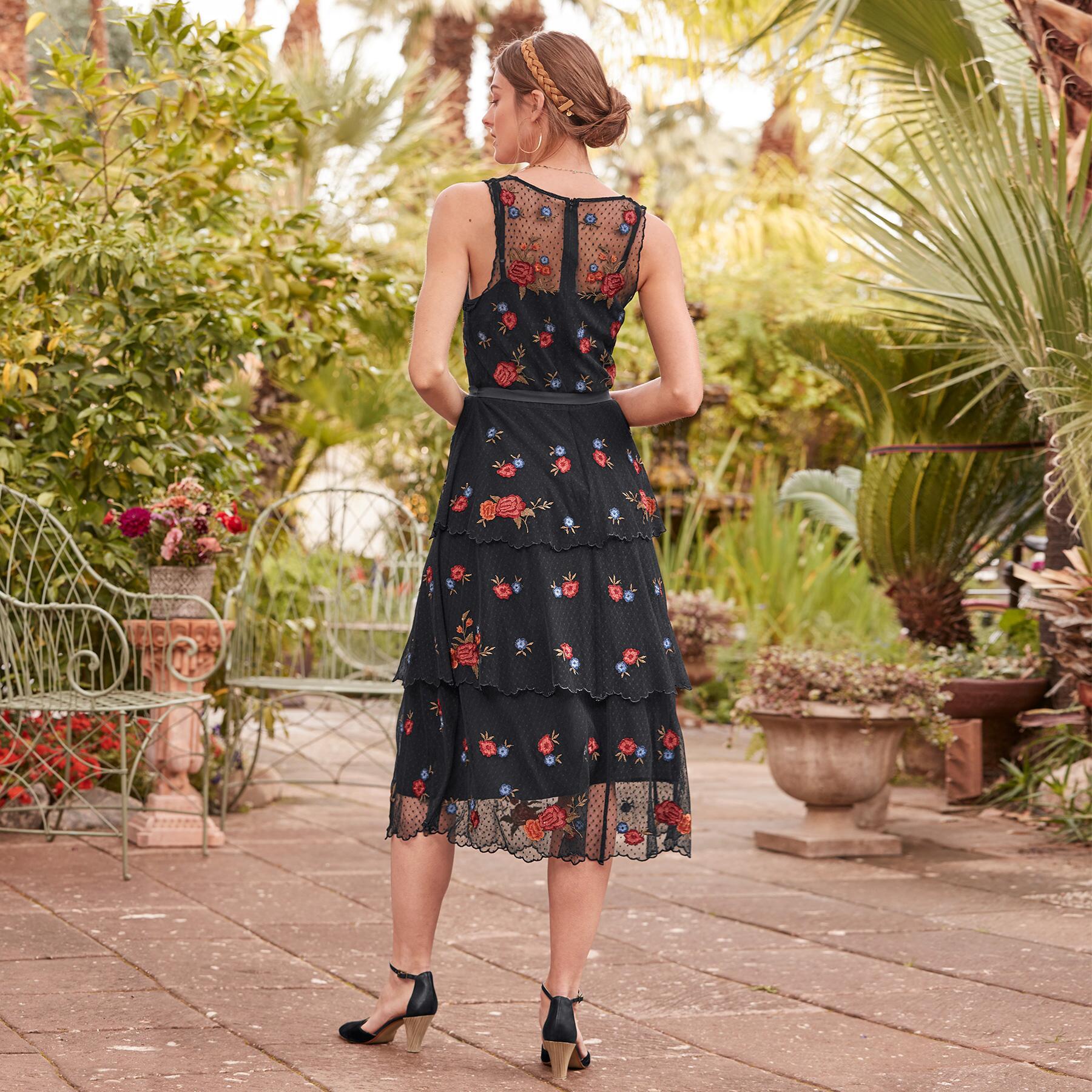 DEMURE ROSES DRESS: View 2