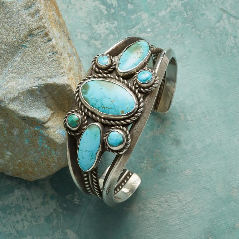 1970S NUMBER EIGHT TURQUOISE CUFF