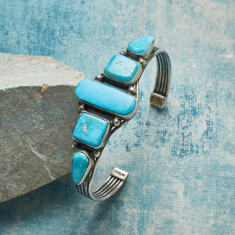 1970S ANGLES & CURVES CUFF
