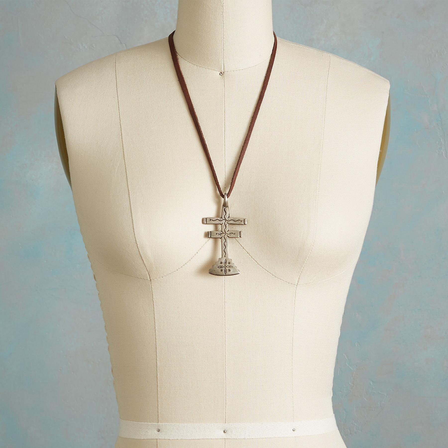 JOCK FAVOUR DRAGONFLY CROSS NECKLACE: View 3