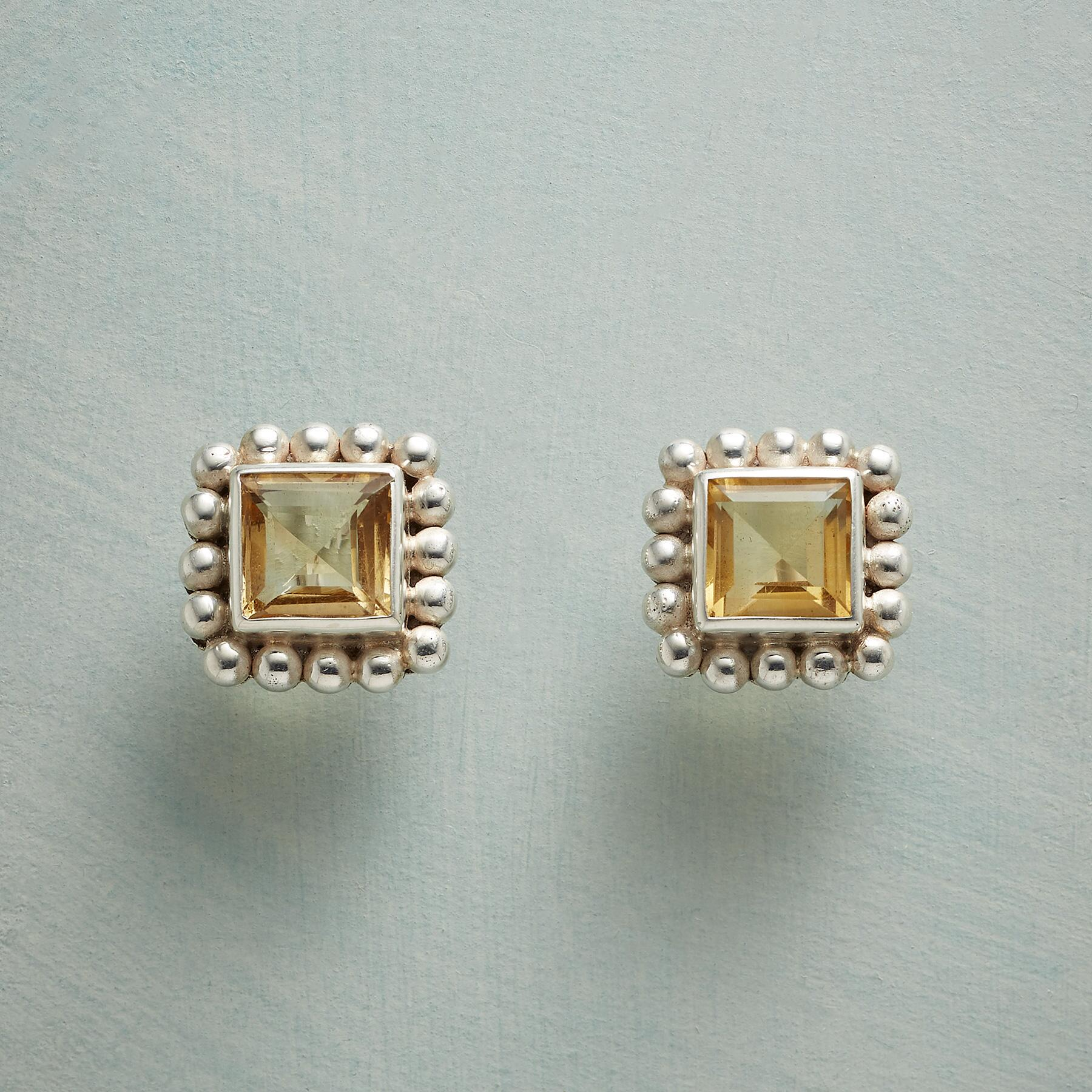 CITRINE ON THE SQUARE EARRINGS: View 1