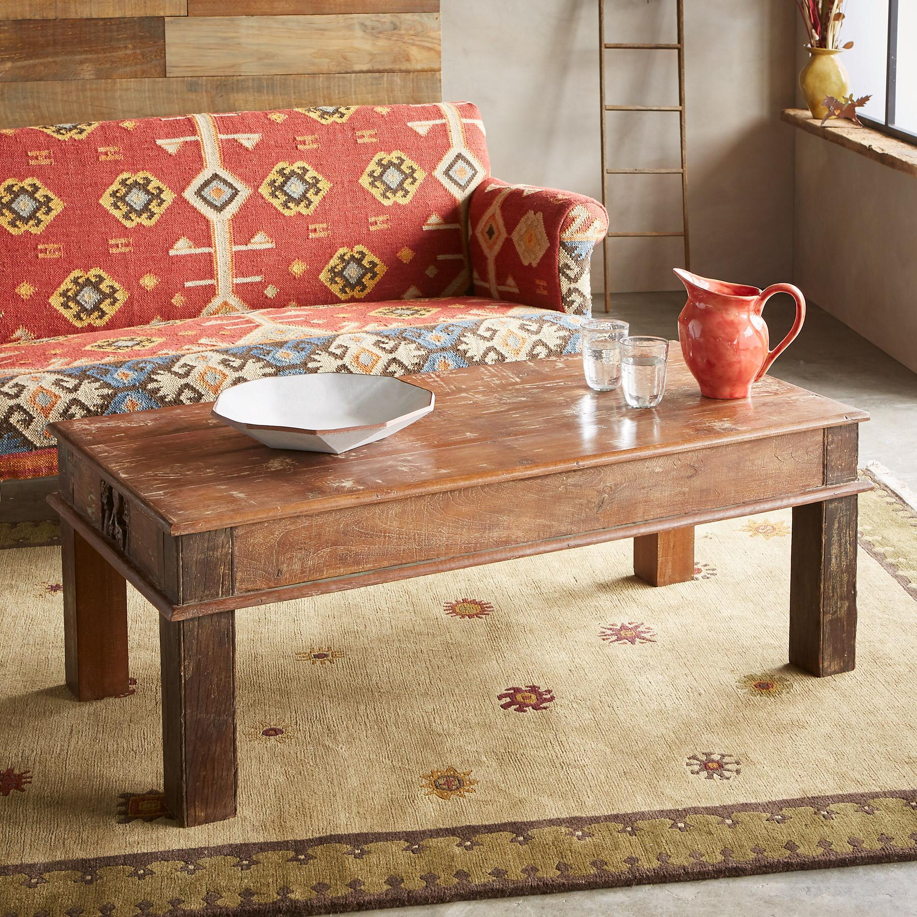 VARENYA COFFEE TABLE: View 2
