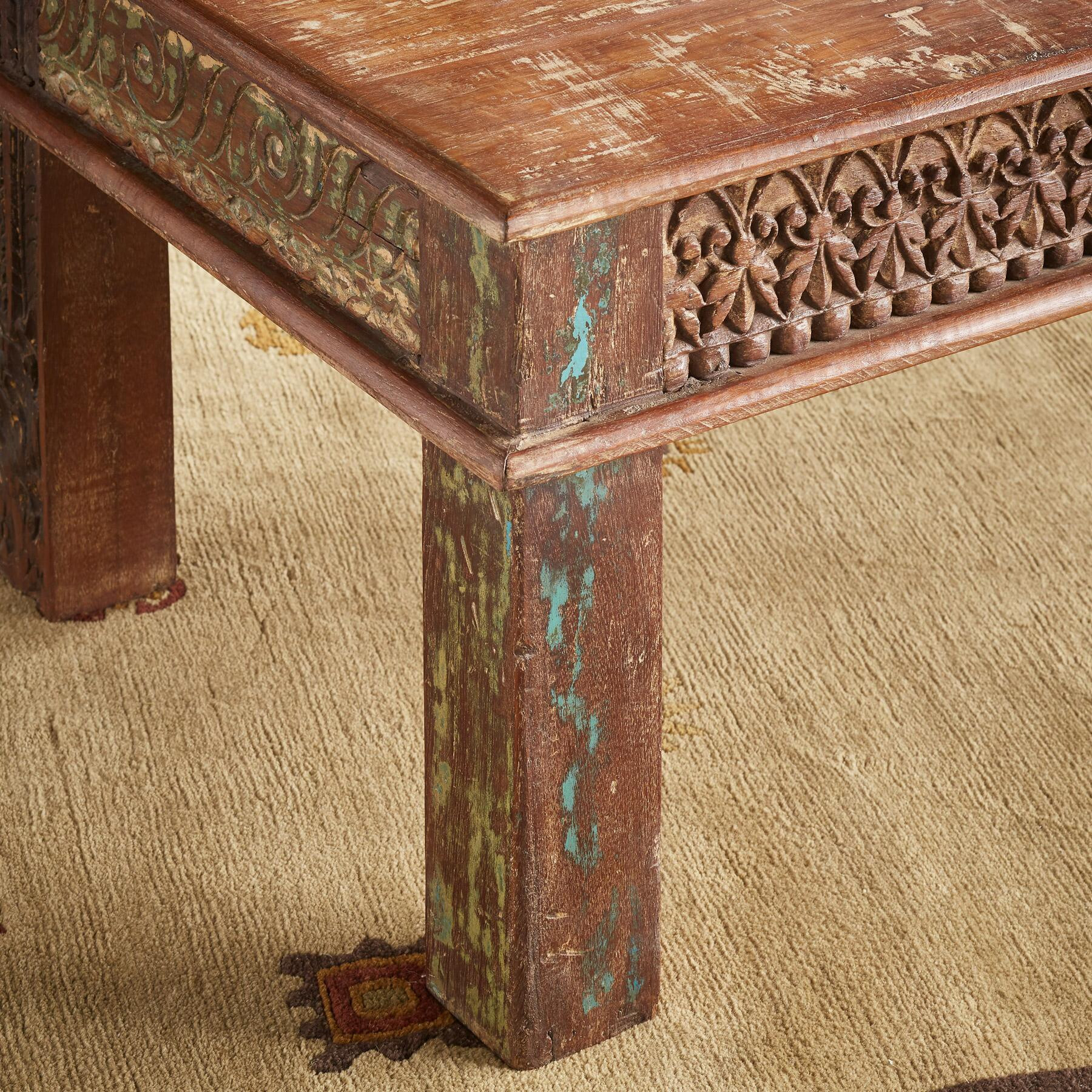 VARENYA COFFEE TABLE: View 3