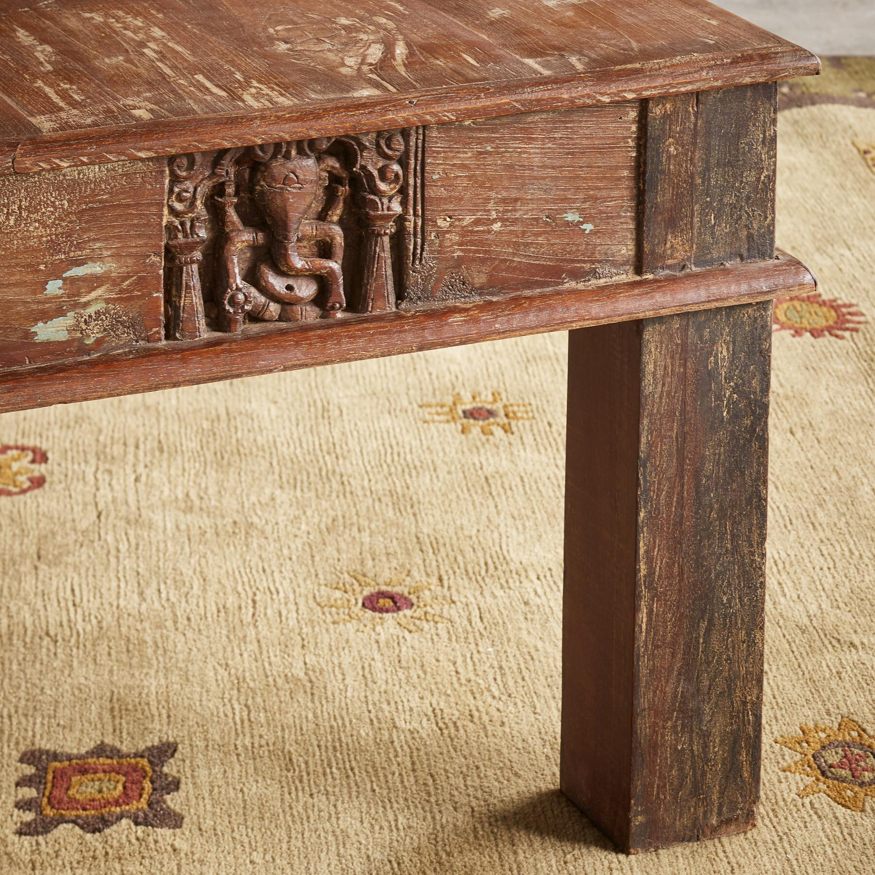 VARENYA COFFEE TABLE: View 4