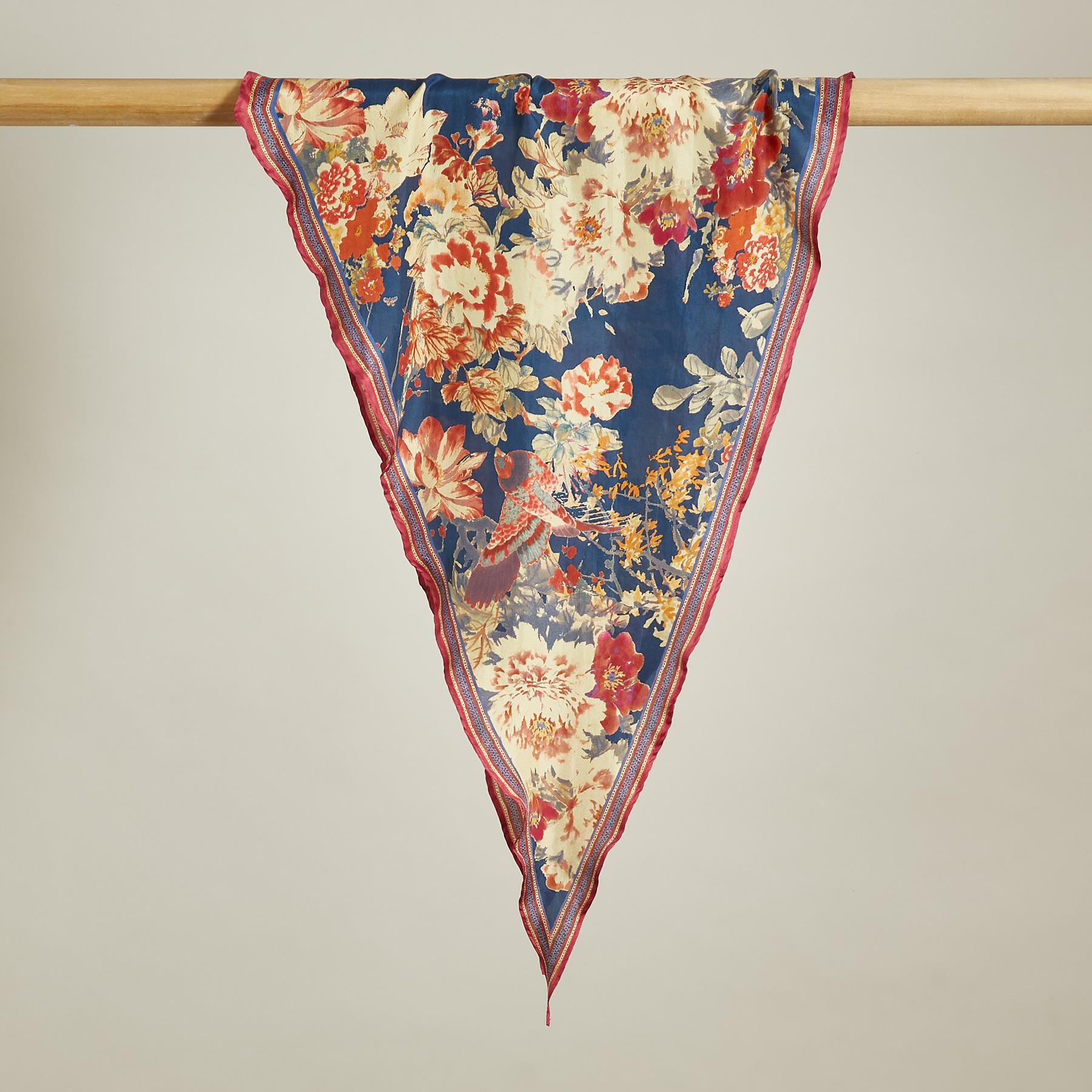 BLOOMING WILD SCARF: View 2