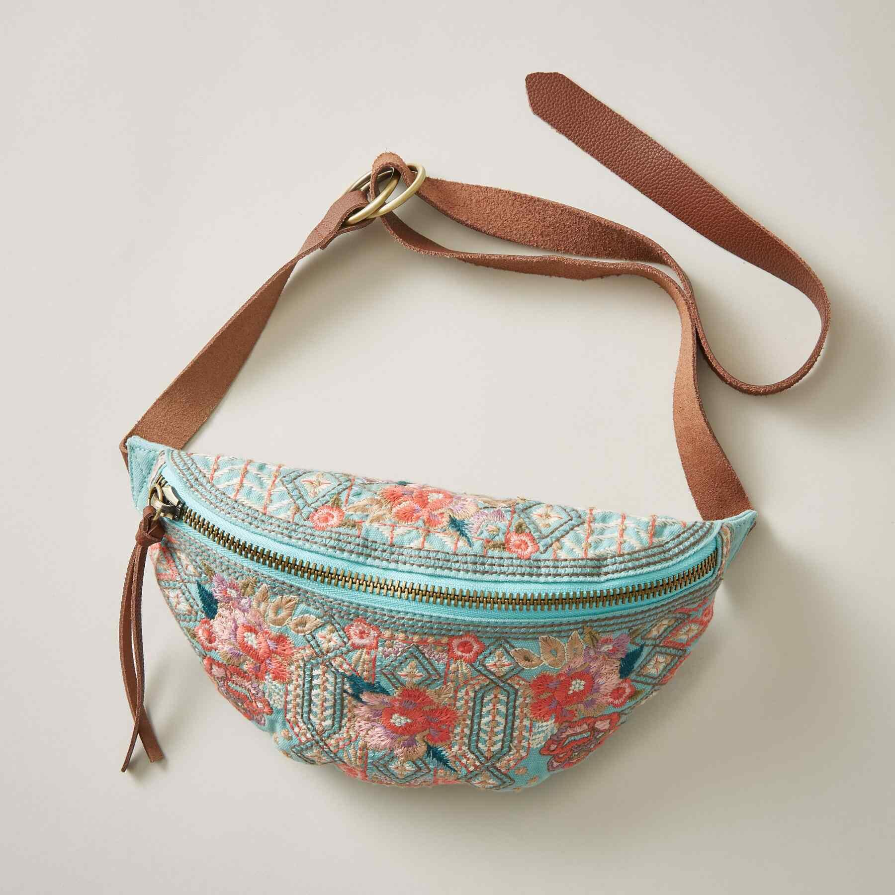 MAEVE BELT BAG: View 1