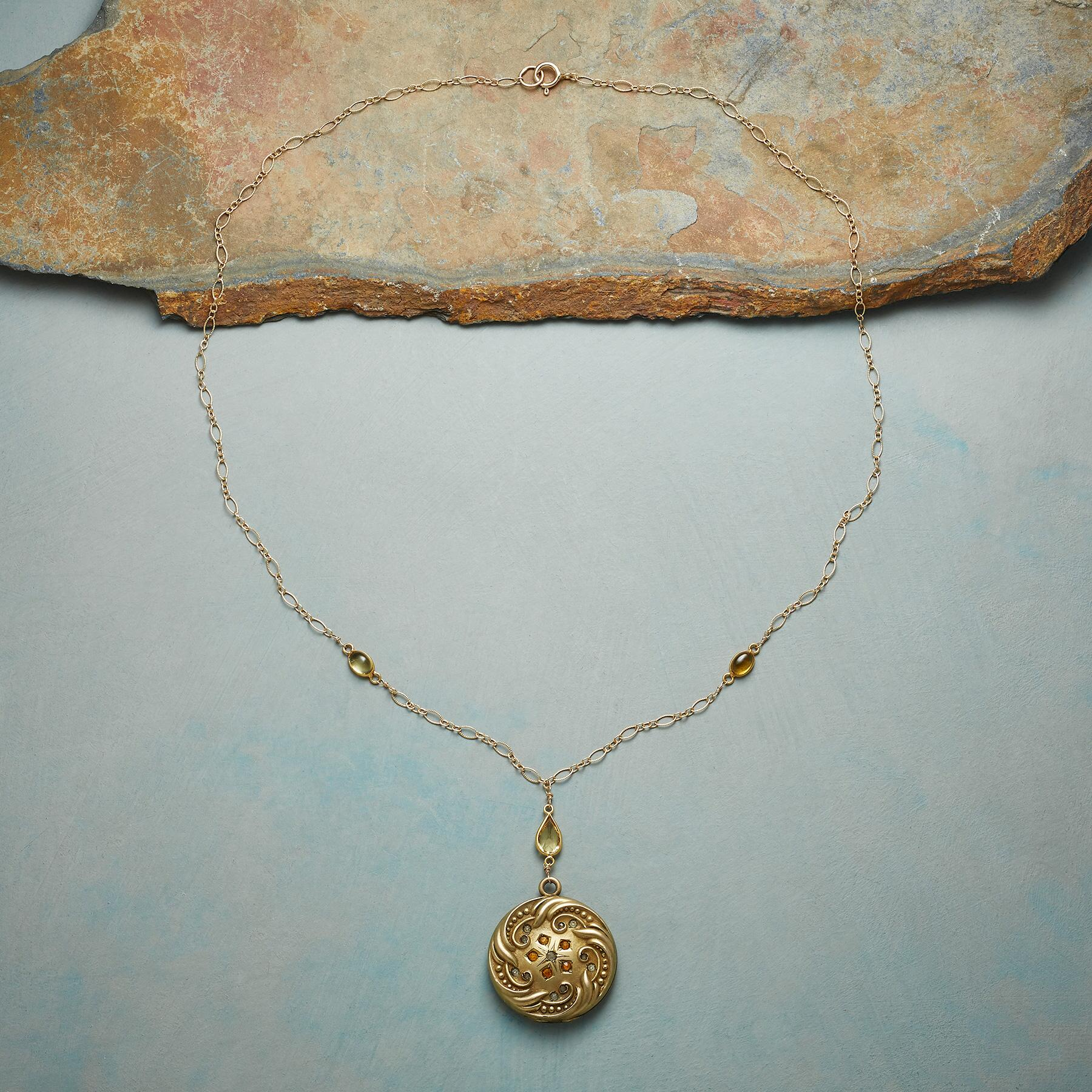 ALMA HEIRLOOM LOCKET NECKLACE: View 2