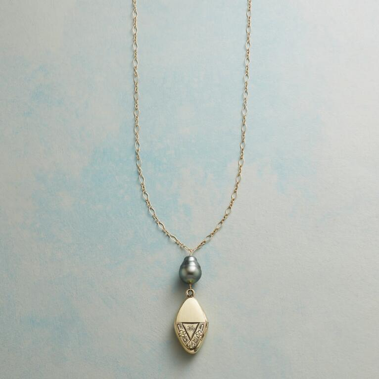 SAMANTHA HEIRLOOM LOCKET NECKLACE