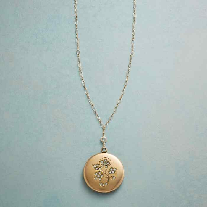 FIORI HEIRLOOM LOCKET NECKLACE