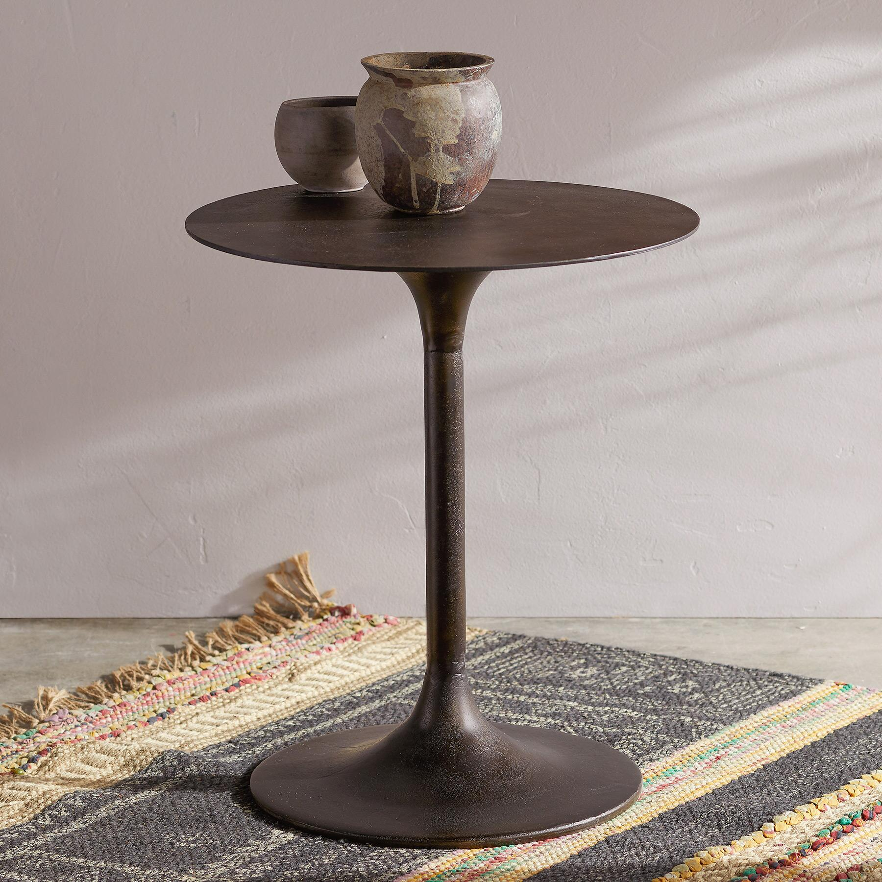RIGBY SIDE TABLE: View 1