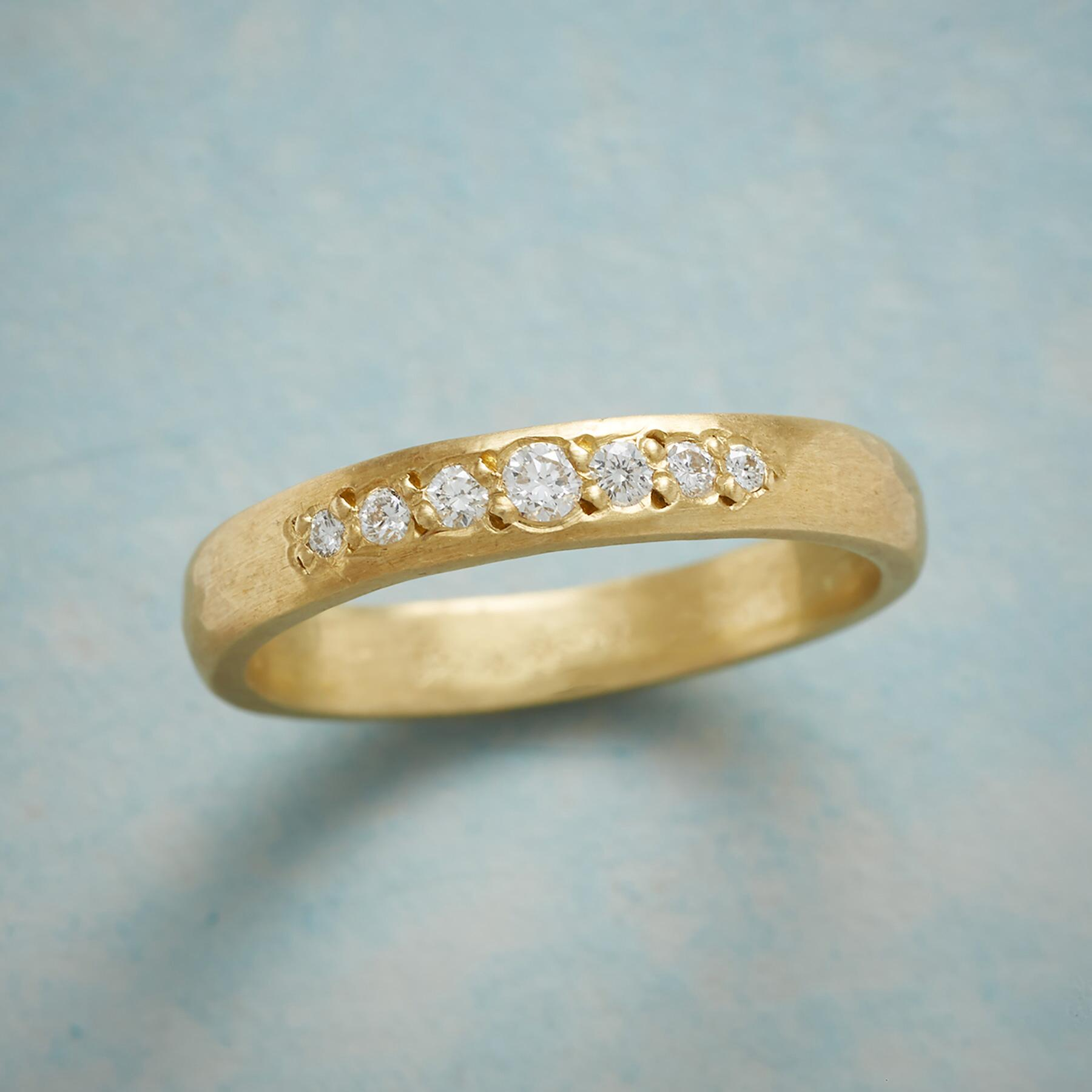 PATHWAY DIAMOND RING: View 1