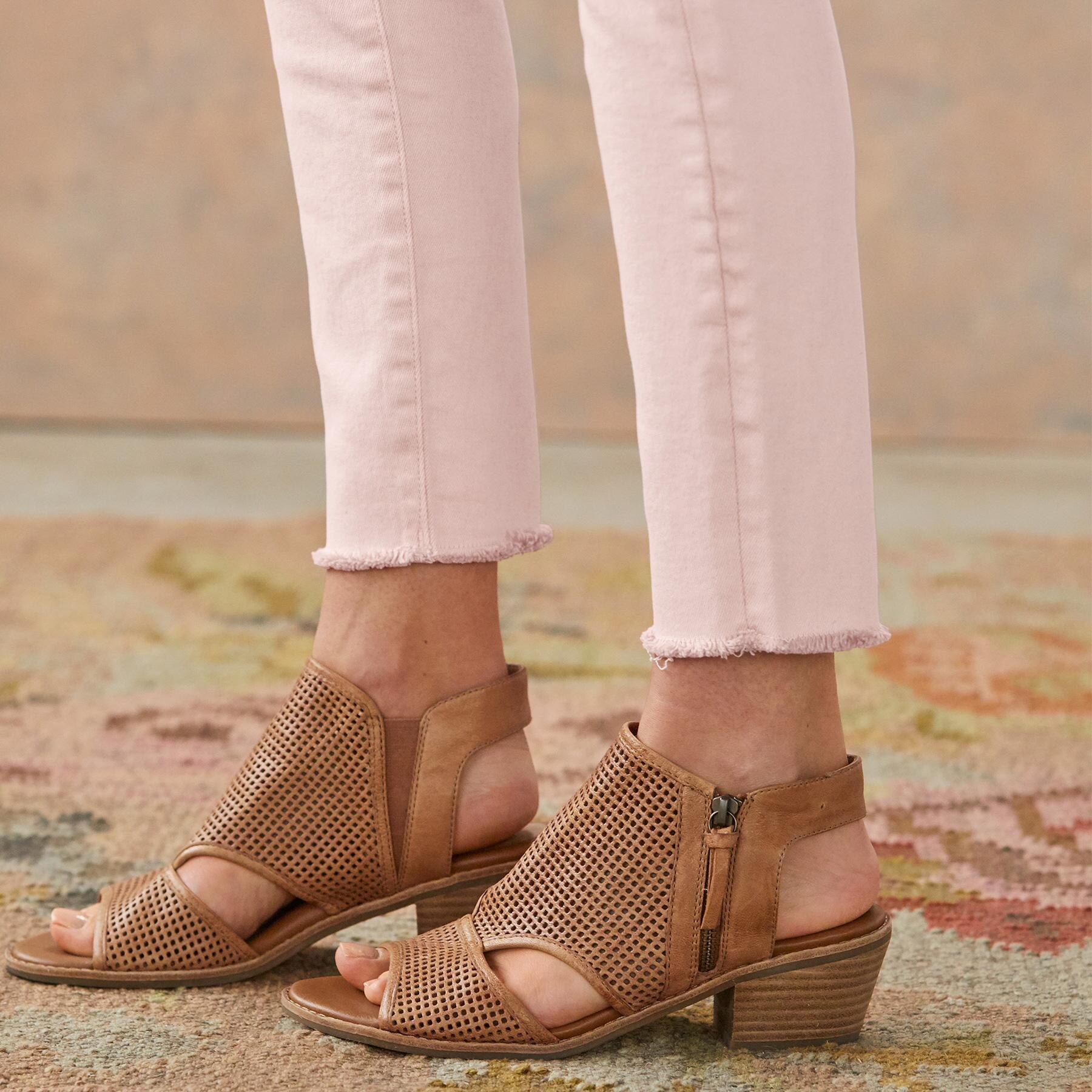 FLORENCE ANKLE JEANS: View 4