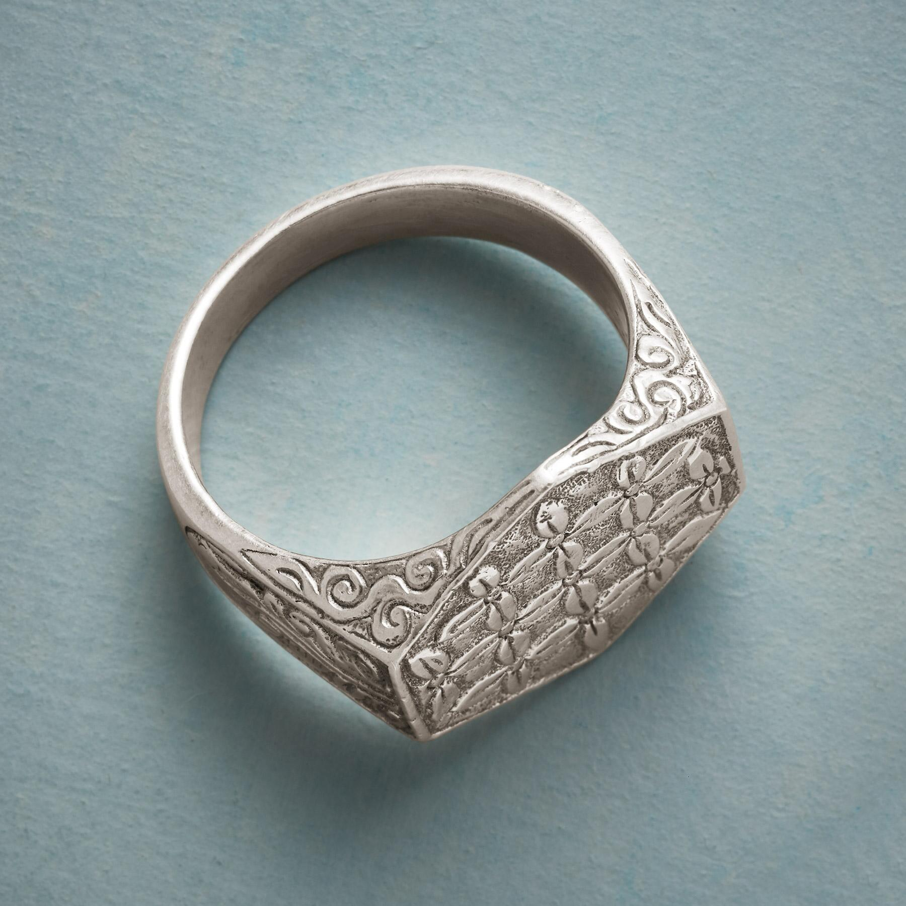 TAPESTRY SIGNET RING: View 2