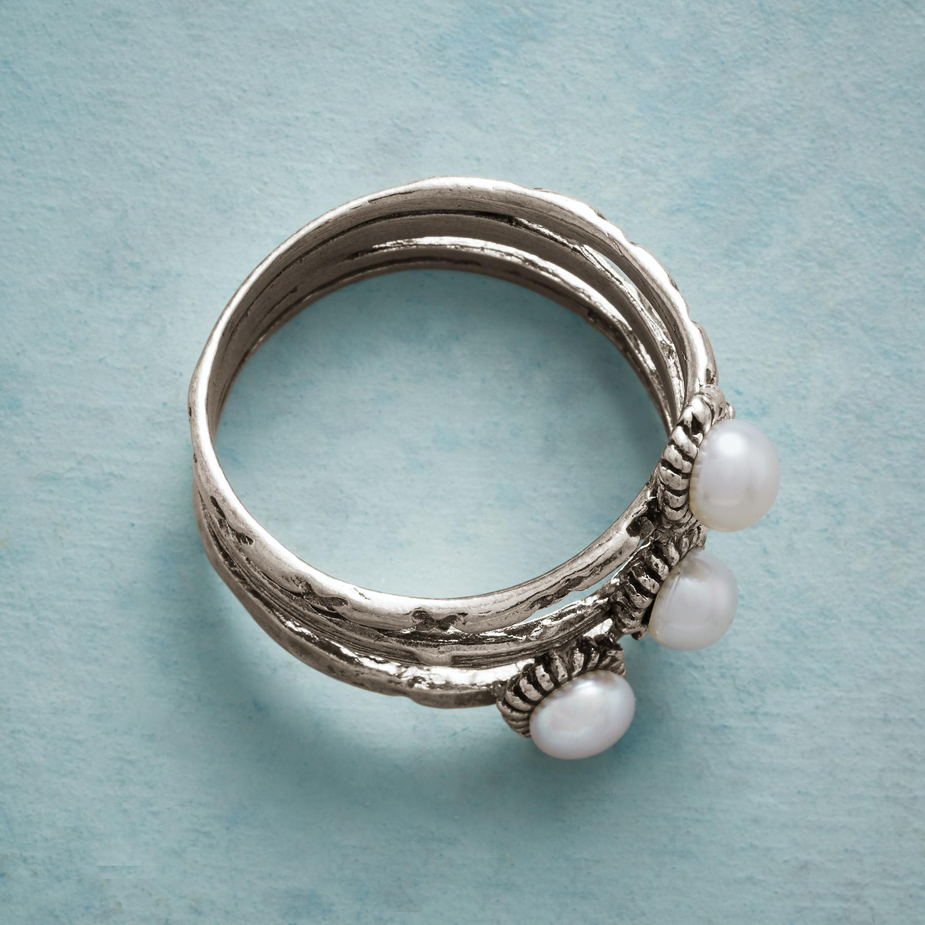 THREE GRACES RING: View 2