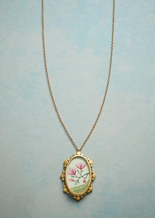 MAGNOLIA SOLITAIRE NECKLACE