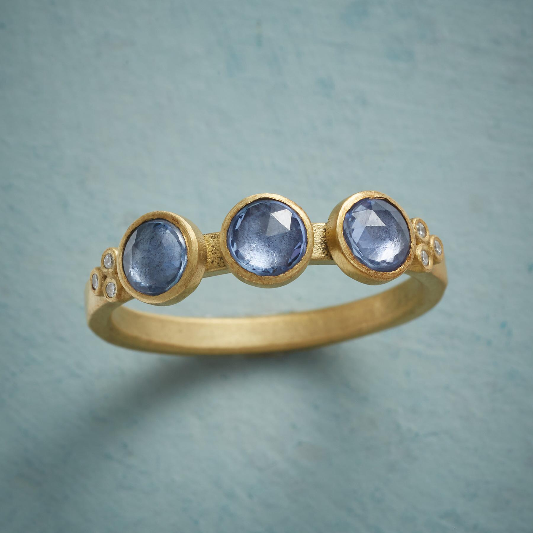 BLUE SAPPHIRE RING: View 1
