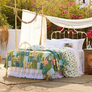 MEREDITH BED