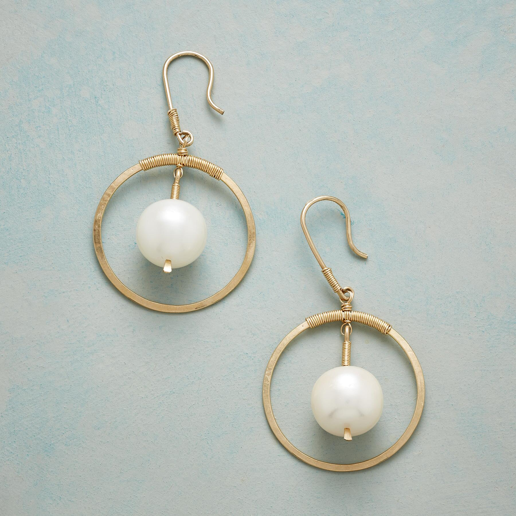 PEARL PLANET EARRINGS: View 1