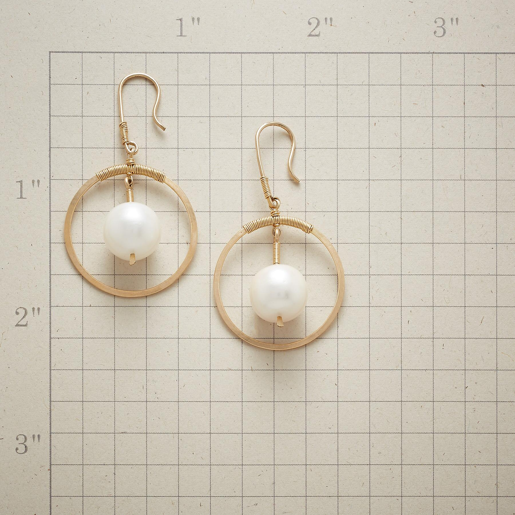 PEARL PLANET EARRINGS: View 2