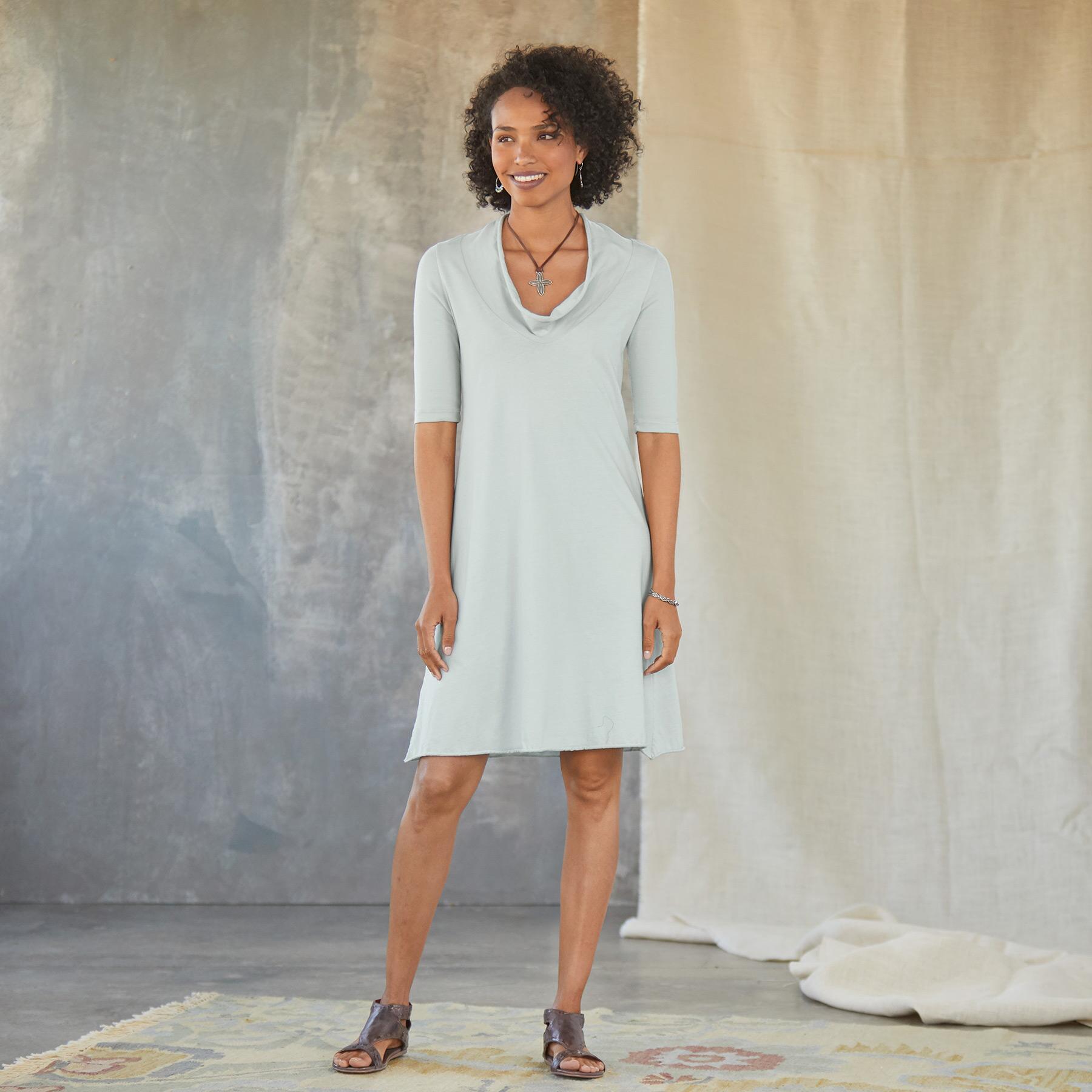 FALCONET DRESS: View 1