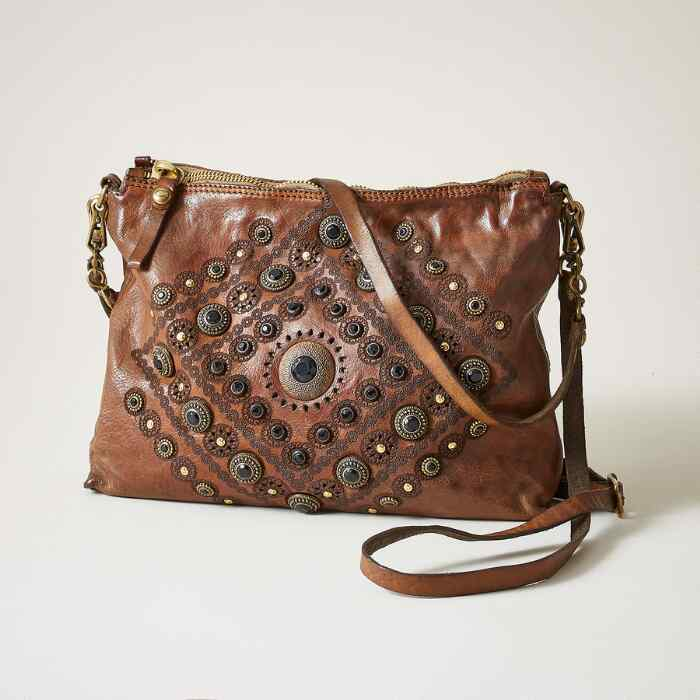 STUDDED POCHETTE BAG