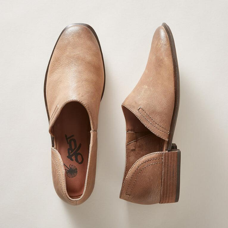 COYOTE SHOES