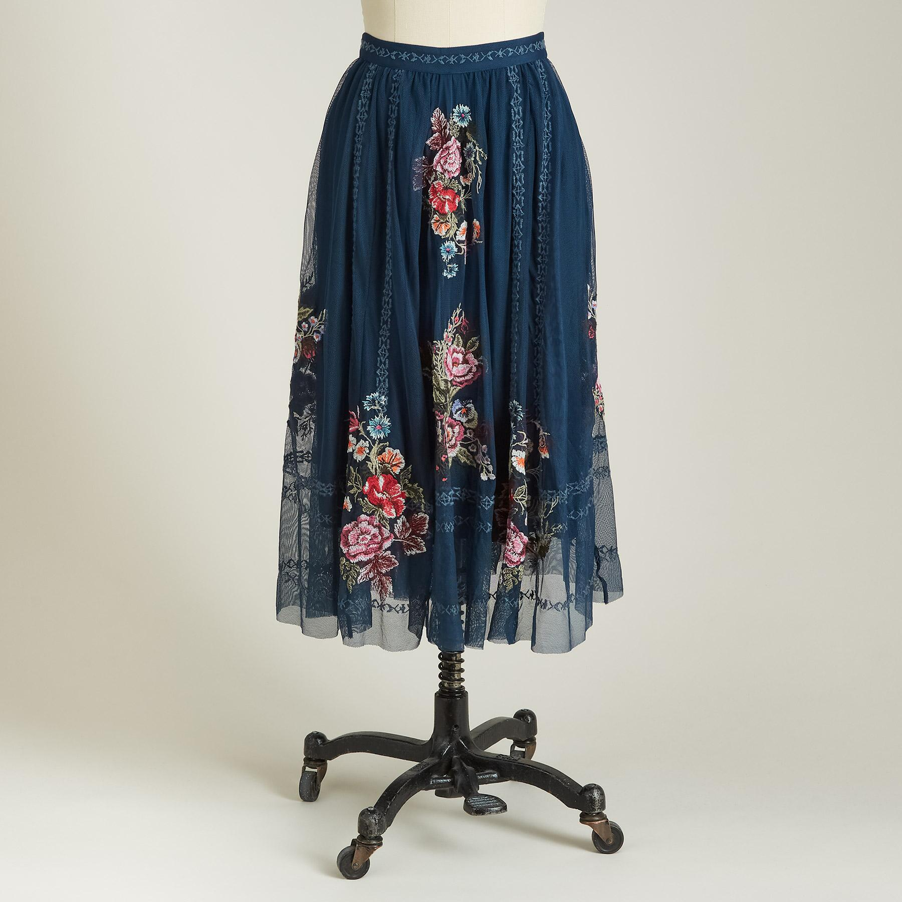 POETRY SKIRT: View 2