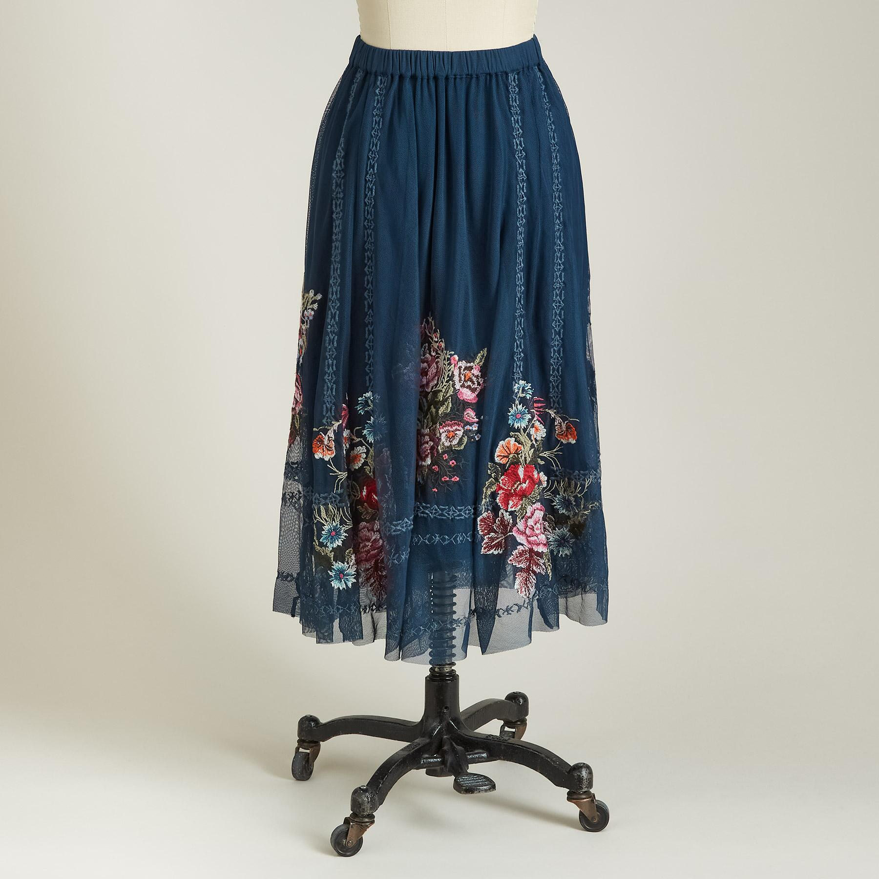 POETRY SKIRT: View 3